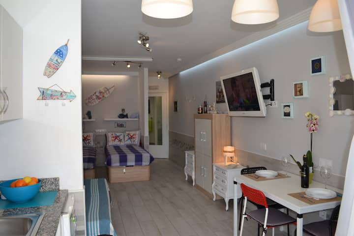 White Loft Deluxe - central in Playa del Inglés