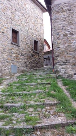 piccolo rustico in alta toscana - Fivizzano - Hus