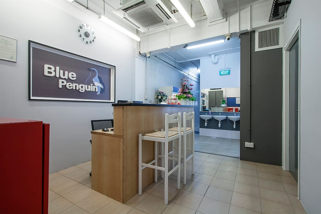 Reception area with 24 hour service