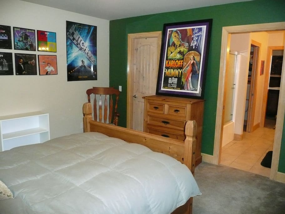 Ample dresser, shelf and closet space.