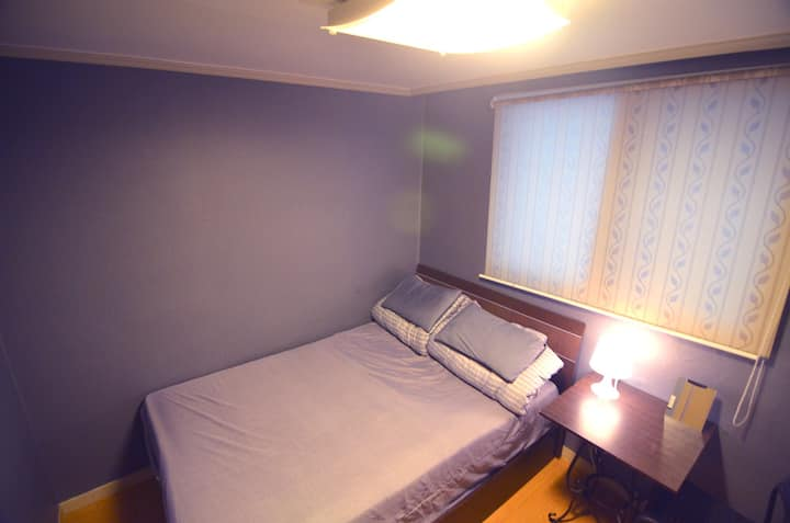 Cost-Effective Double Room in Yeonnam-dong