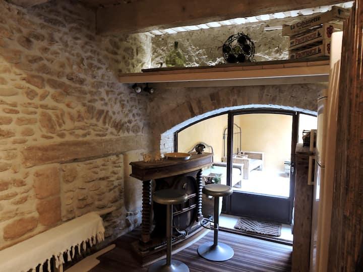 Châteauneuf-du-Pape village  La Maison Mireille