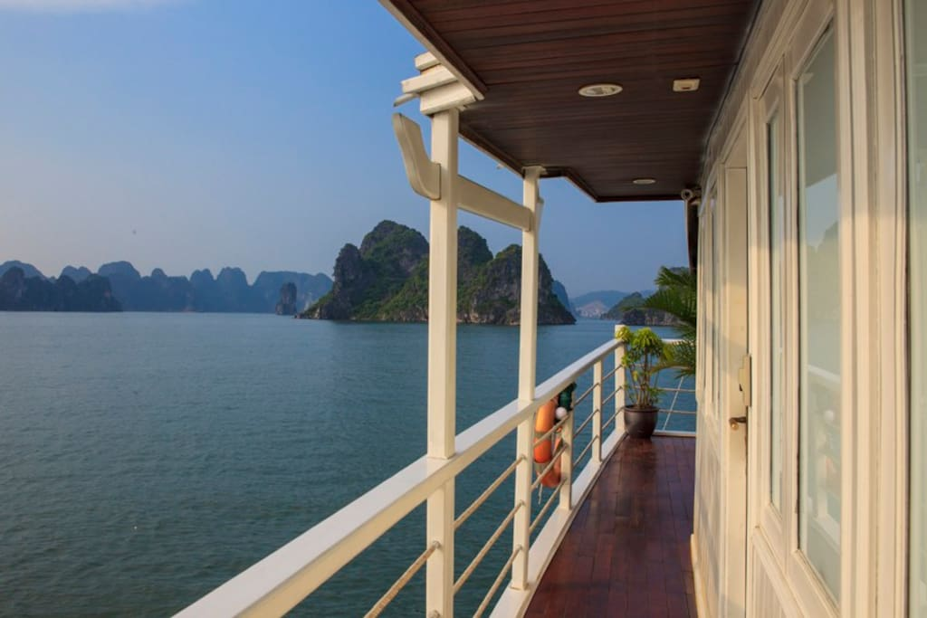 Best Cruise To Visit Halong Bay