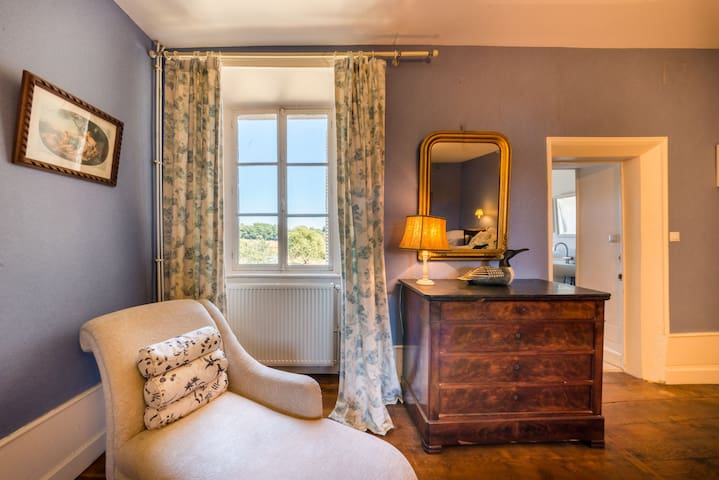 Chateau in the Dordogne - double room with ensuite