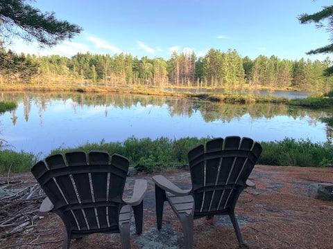 A cozy cabin for intimate wilderness escape