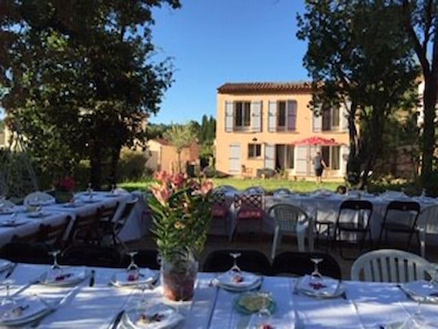 Maison aux Jasmins