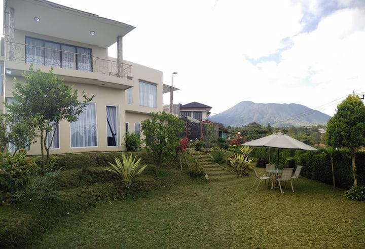 Villa Albarakat puncak gunung