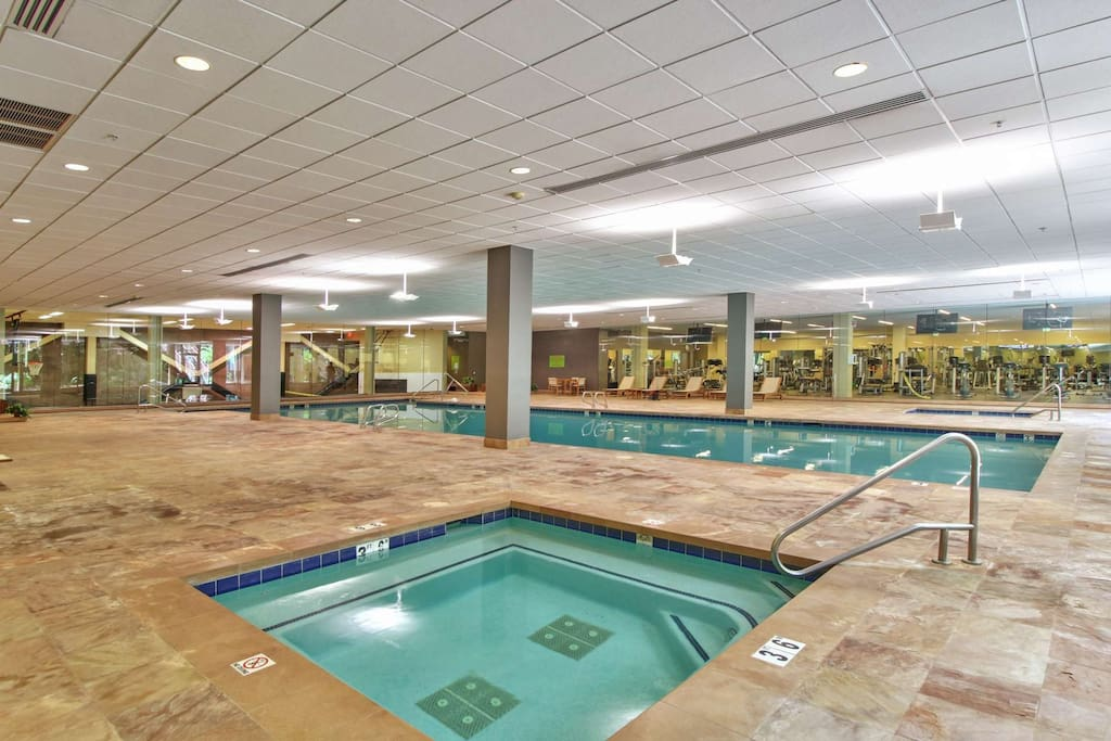 Indoor Spa and pool!