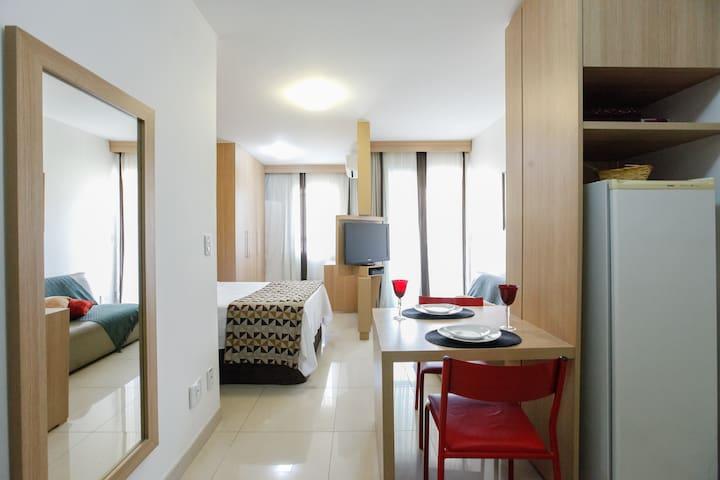 Apartamento inteiro à beira  Lago Paranoá, lindo!