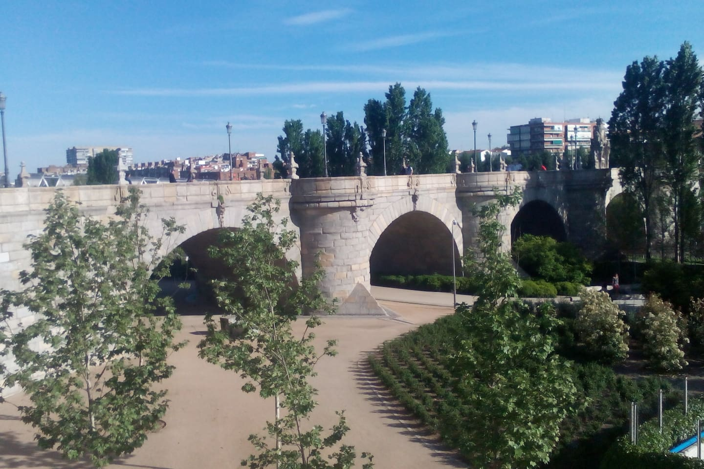 Puente de Toledo, just few metres from here