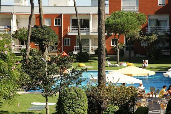 Apartamento T2+1 com piscina, junto à praia - Braga - Pis