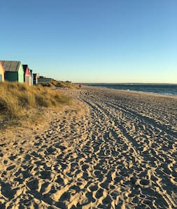 Aspendale Beach Holiday House - Aspendale