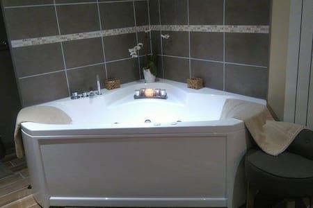 Chambre avec balnéo en Normandie - Saint-Saëns