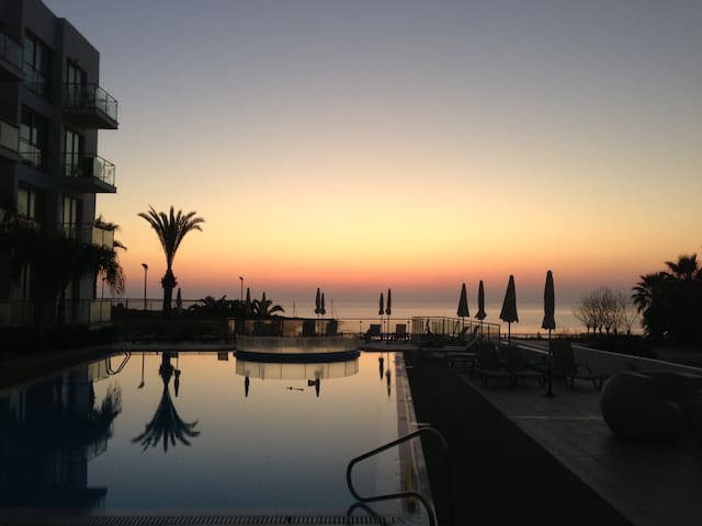 Luxury end apartment with sea views, Fig Tree Bay. - Protaras - Apartamento