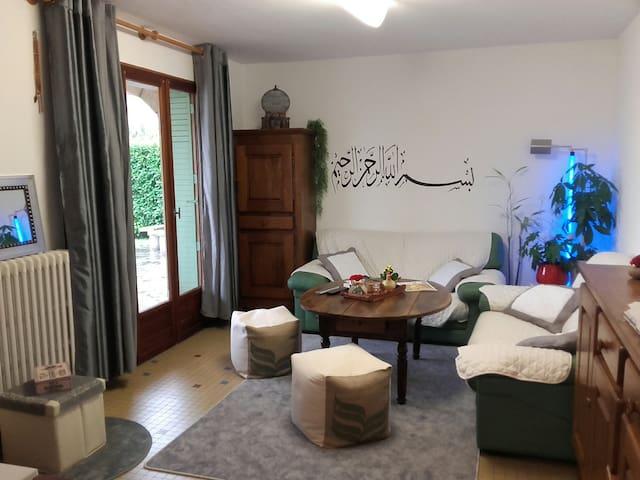chambre chez l'habitant - Aubenas - Apartment