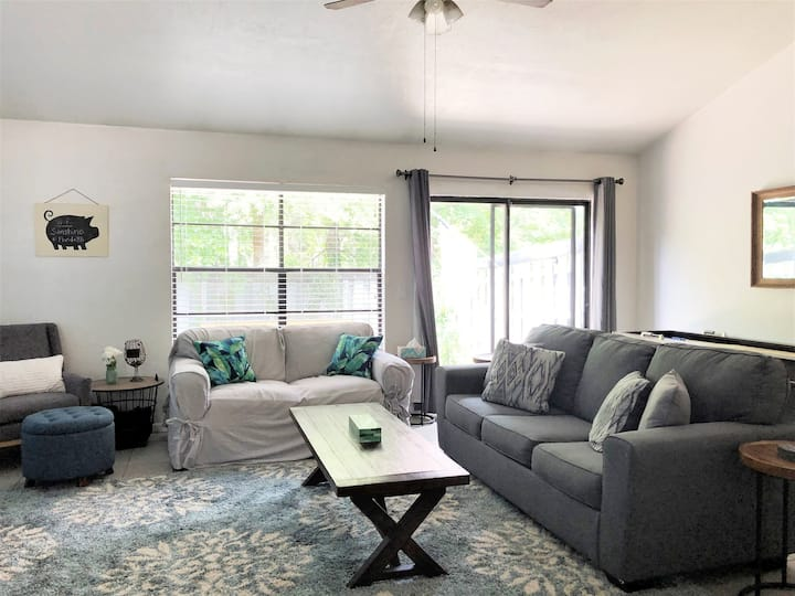 Welcoming 1/1 Townhome near 75, UF & Shands