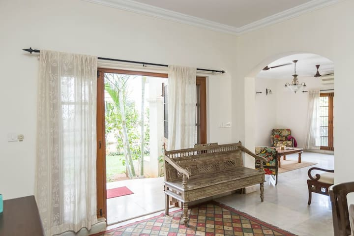 3.5 Bedroom Villa with Pool & Garden in Whitefield - Bangalore - Casa
