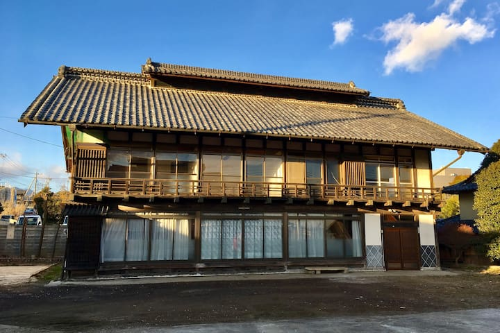 Huge traditional Japanese home next to hot spring - Takasaki - Rumah