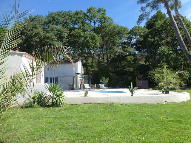 En campagne AIXOISE, Villa sur 2200 avec piscine - La Barben - Maison