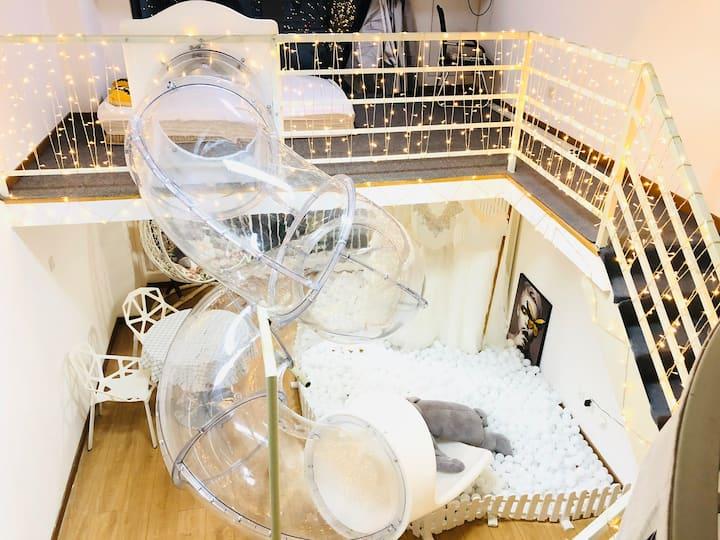 浪漫婚纱滑梯,INS风,海洋球,落地窗,巨幕投影,少女心,奇屋童趣,北欧风,长阳地铁站,可做饭,情侣