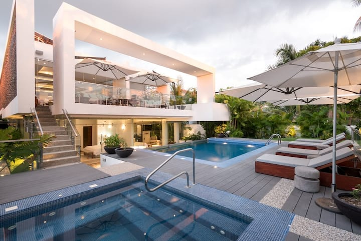 Luxury Casa Palmas, Chef, Driver and Concierge!!