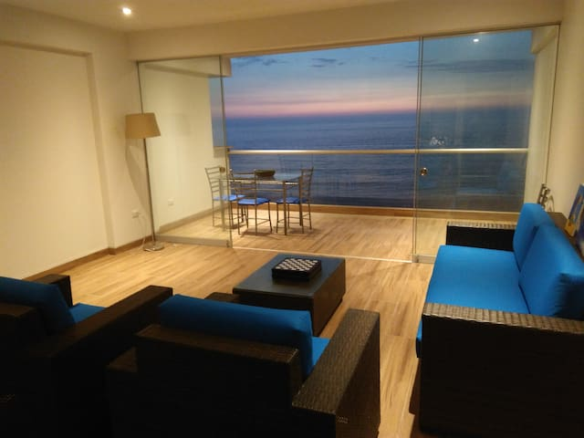 Beautiful New Ocean-Front Apartment - Punta Hermosa - Byt