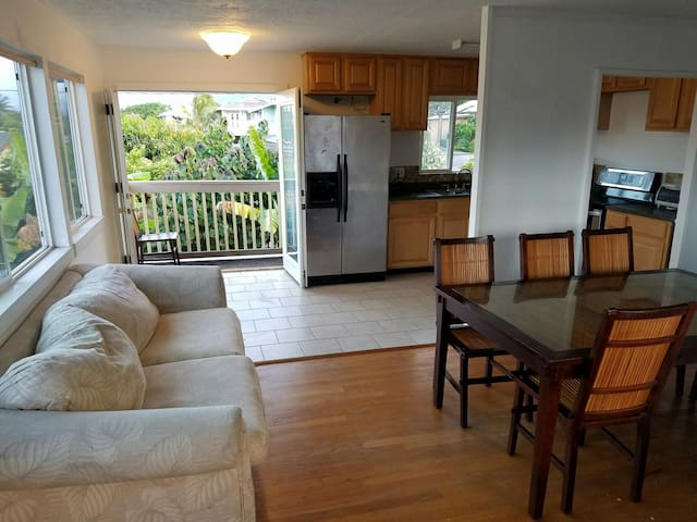 Great 6 Bedroom Home in Laie - Laie - House