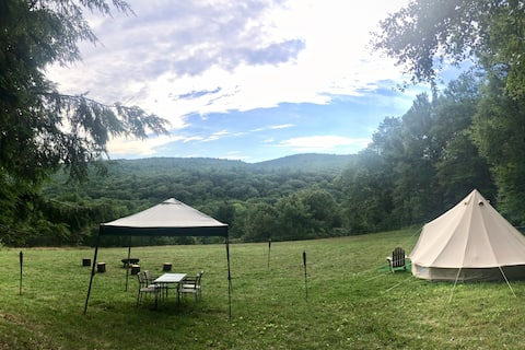Cozy Hilltop Bell Tent on Picturesque Farm