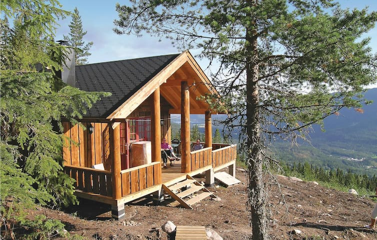 Holiday cottage with 2 bedrooms on 96 m² in Eggedal