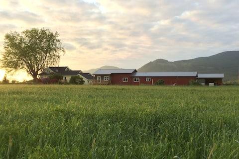 Bow-Edison: Blanchard Mountain Farm Guest House
