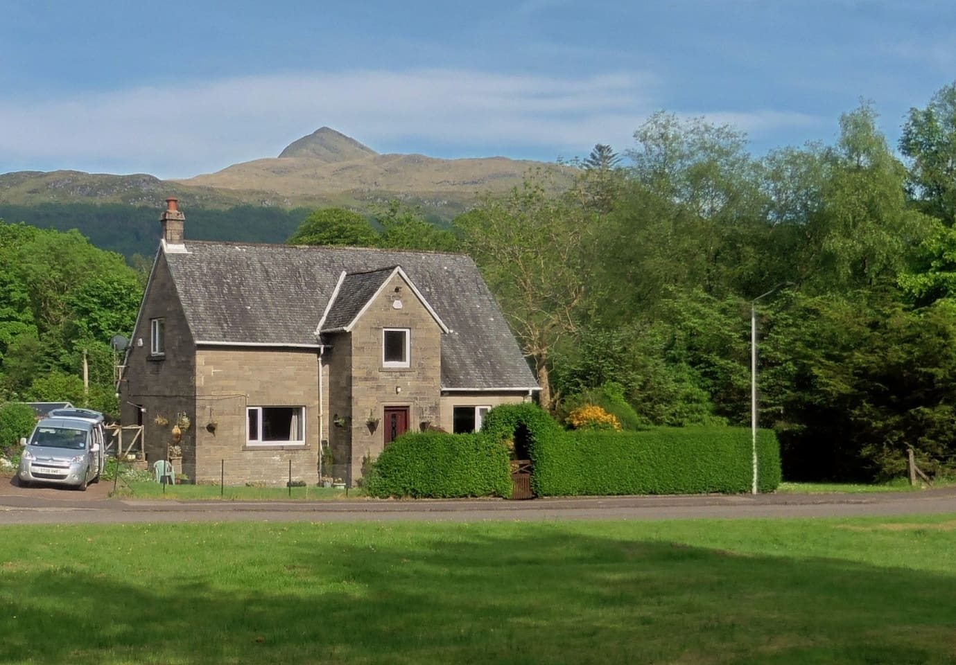 House in quiet Crescent just off the A83
