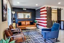 Americana Modern Hotel, King Standard Pet Friendly