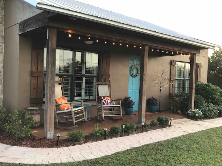 (NEW!) The Guesthouse (near Lakewood Ranch)