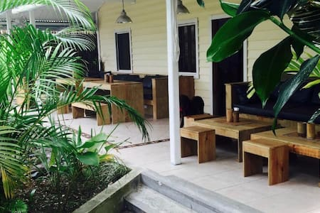 STAY BOCAS FRESH B&B WIFI & AC BOCAS TOWN #3 - Bocas del Toro - Bed & Breakfast