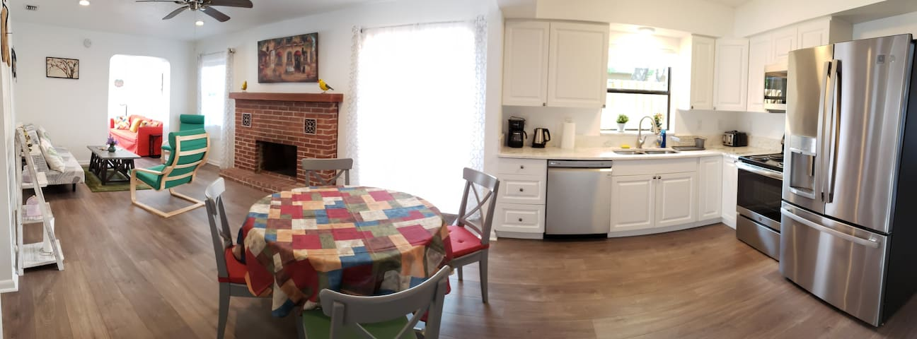 Dining (extendable table) & Kitchen
