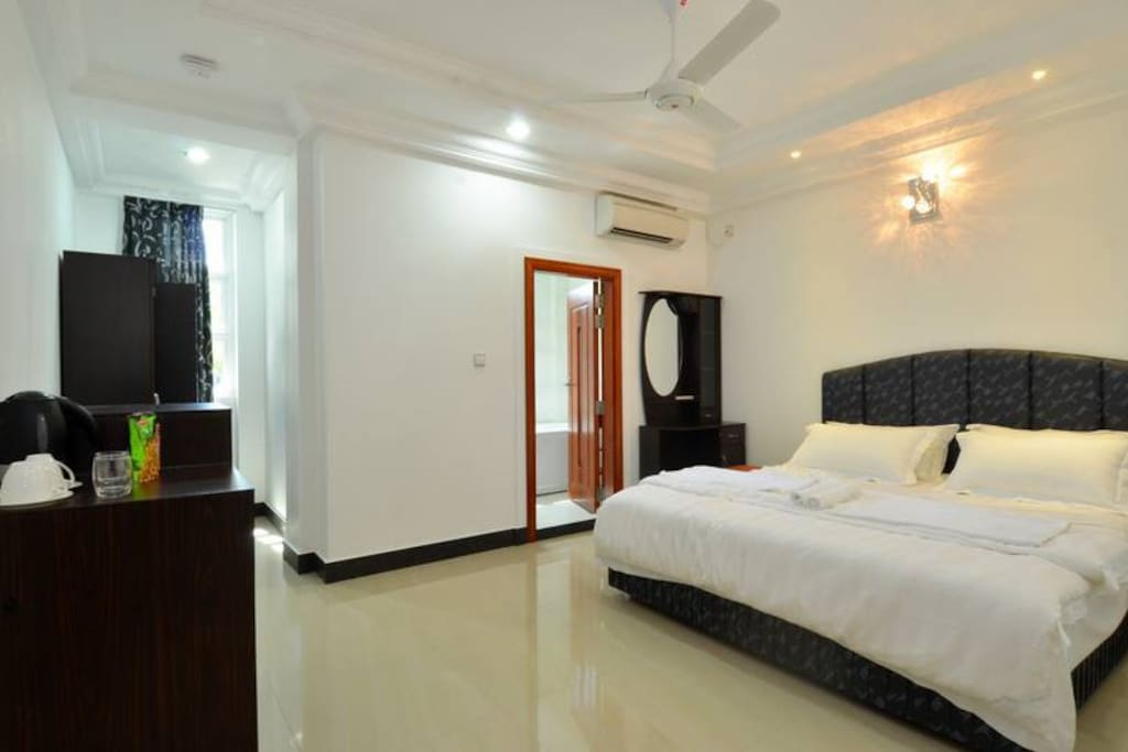 Beachfront apartment near airport appartamenti in for The family room hulhumale