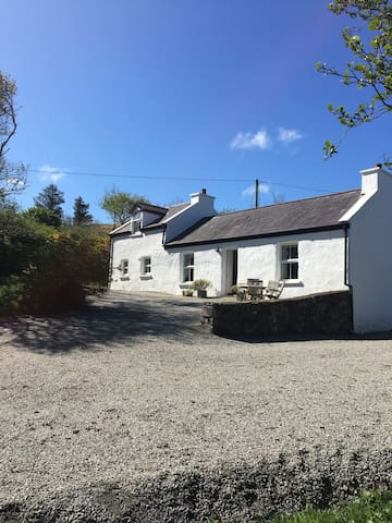 Cosy cottage for 2 near beautiful beach and walks