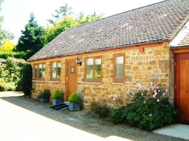 Cosy Annexe in Pretty Oxfordshire Village