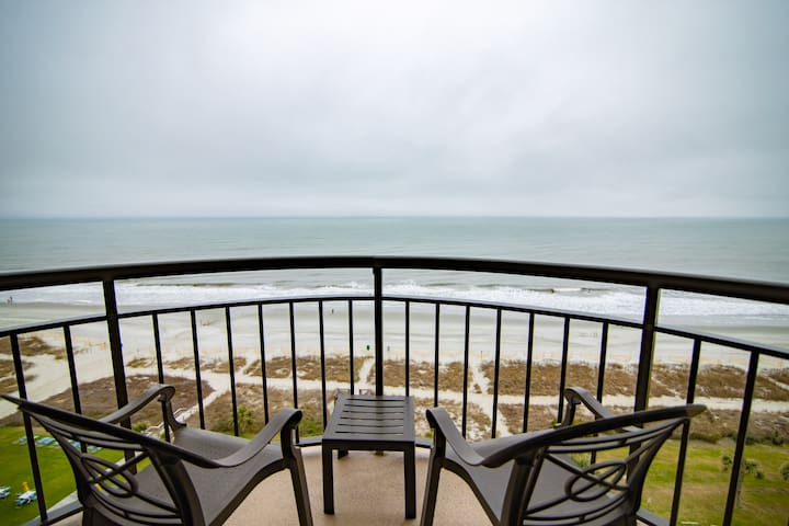 Great Direct Oceanfront 1 BR/1BA central location
