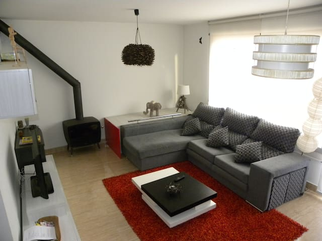 Townhouse 4 to 10 people in Burgos+WIFI+Parking - Burgos - House