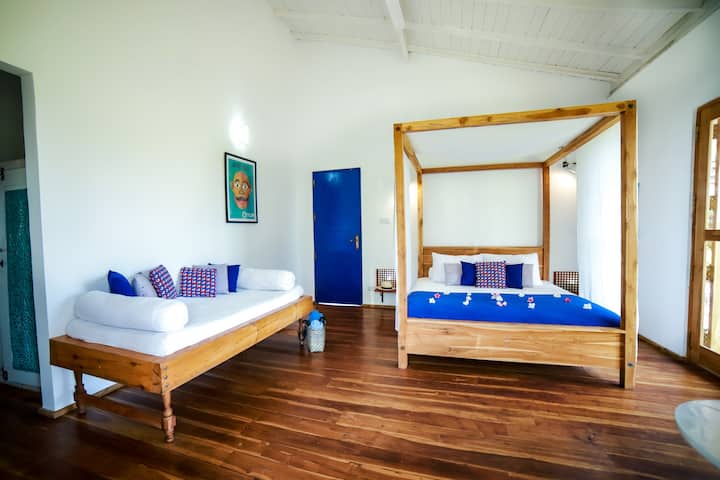 AMANTA BEACH (Deluxe Double or Triple Room)