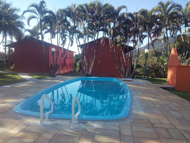 Cara de campo com privilégios de estar na praia - Ilhabela - Apartment