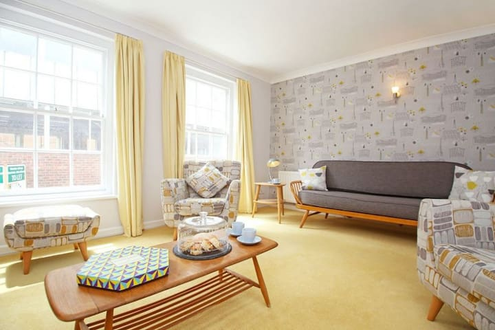 Chapel Street Apartment perfect for a city break, sleeps 5 - Chichester - Apartment