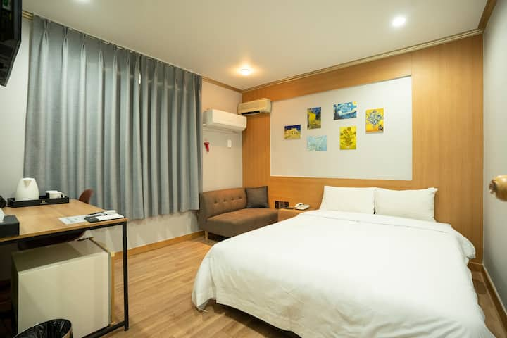 JEJUSTAY HOTEL(DOUBLE ROOM)