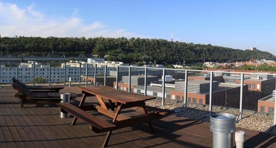 Two-bedroom apartment with great view for 2