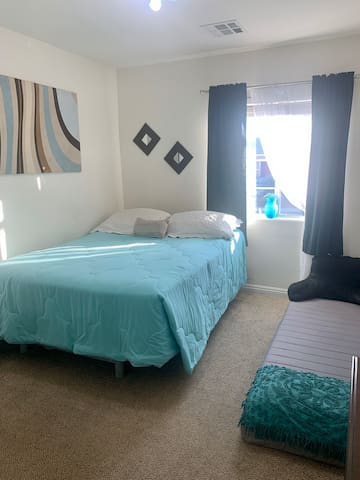 Cozy Room w/private full bath in Gated Community