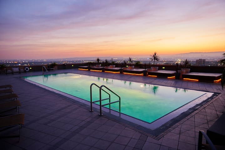 Luxury loft with panoramic views and rooftop pool - Los Angeles - Byt
