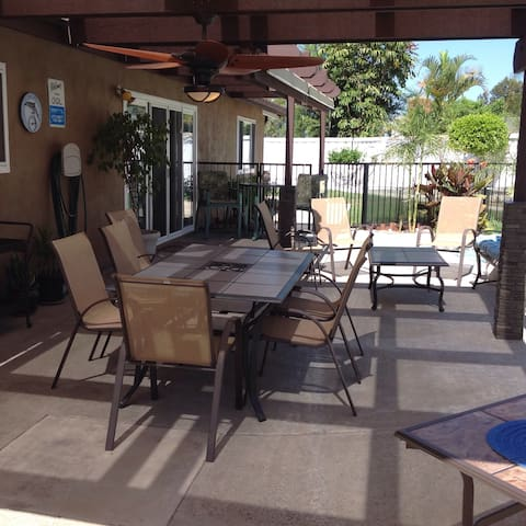 2 Rm, 2 Bed, 1 Bath. Quiet. Private. (2-4 guests)