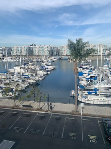 Amazing location! 1Bdrm, water view!