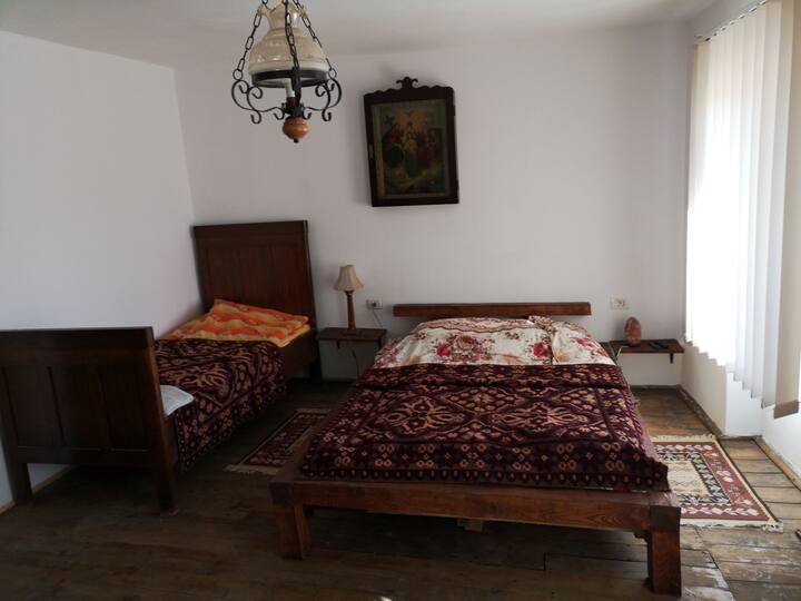 Casa pe Valea Hartibaciului(Bărcuț)